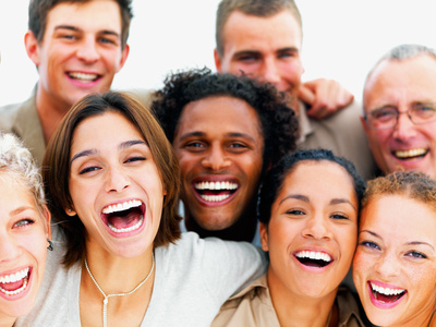 people smiling at an alcohol treatment center